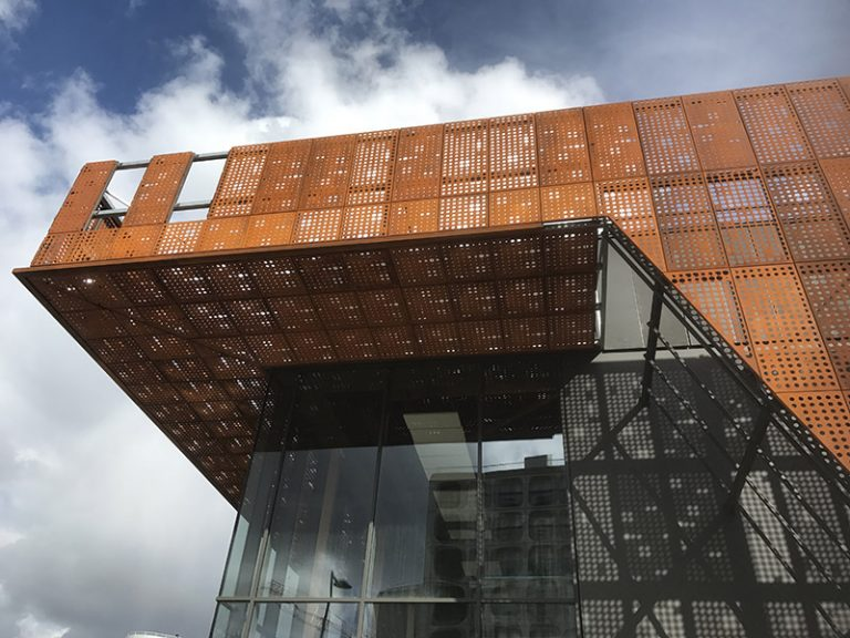 Habillage de façade réalisations construction métallique