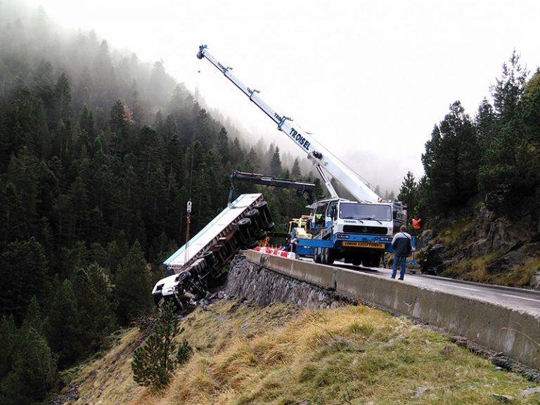 levage camion accidenté